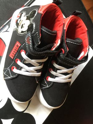 DISNEY MICKEY MOUSE SNEAKERS SIZE 8 for Sale in McLean, VA