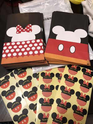 30 Mickey & Minnie Mouse party favor treat bags & stickers $10 for Sale in Neosho, MO