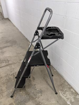 STEP LADDER 3-STEP FOLDING WITH ACCESSORY TRAY for Sale in Oceanside, CA