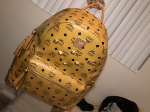 MCM MEN/WOMEN DESIGNER AUTHENTIC BACKPACK for Sale in Anaheim, CA
