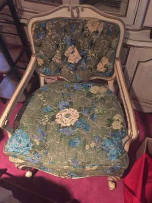 Antique chair for Sale in East Cleveland, OH