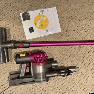 Dyson V7 Cordless Vacuum for Sale in Mount Vernon, NY