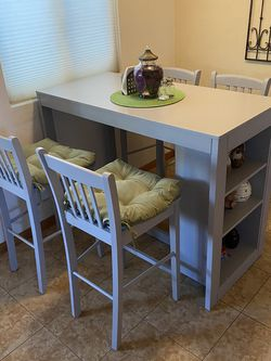 Bar Height Kitchen Table w/ 4 Stools for Sale in Altadena,  CA