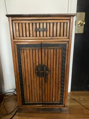 Small chest O.B.O. (Or best offer) for Sale in Chicago, IL