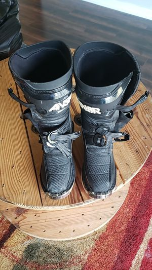 Youth 5 Dirt Bike Boots for Sale in Frostproof, FL