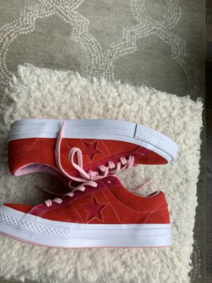 womens converse one star size 6.5 for Sale in Fuquay-Varina, NC