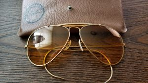 Vintage bausch Lomb ray ban aviator sunglasses ambermatic for Sale in Ravensdale, WA