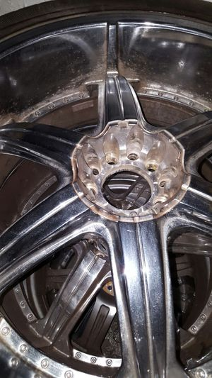 4 rims w tires 305/35R24 for Sale in Riverdale Park, MD
