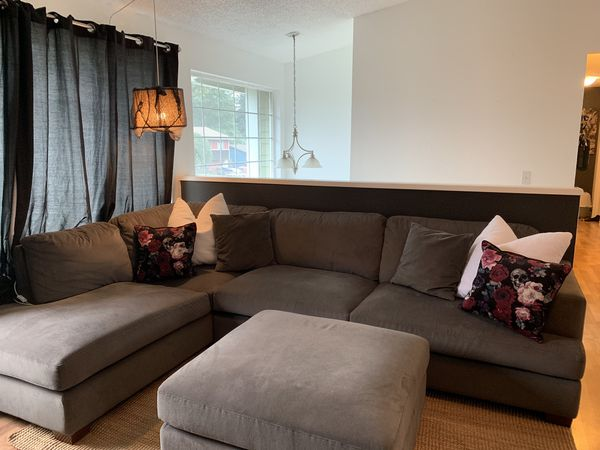 Sectional With chaise And Ottoman