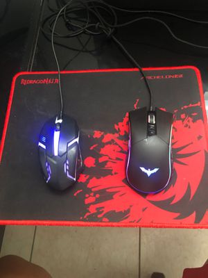 Mouse pad with 2 mouse one mouse for free for Sale in Custer, SD