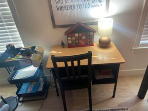 Little kids desk black and wood for Sale in San Clemente, CA