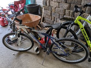 Mongoose bike, needs a new seat and tires (seat is lost and tires don't hold air long) for Sale in McKnight, PA