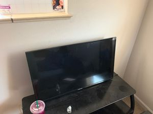 40in element tv for Sale in Fort Carson, CO