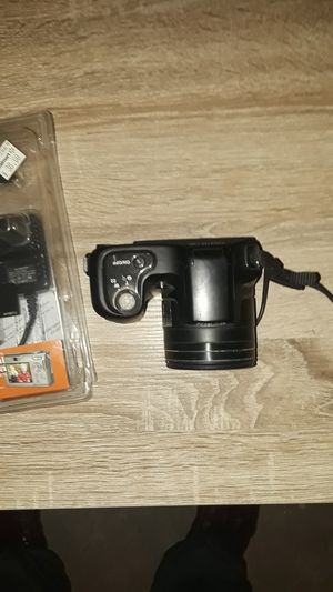 Nikon cool pix l100 digital camera and charger for Sale in Detroit, MI