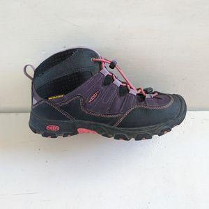 Keen Waterproof Hiking Boots Girls 2 for Sale in Mesa, AZ