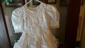 Flower girl dress size 3 for Sale in Brentwood, PA