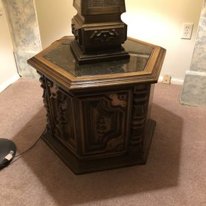 Night Stand Antique And Lamp for Sale in Bryn Mawr, PA
