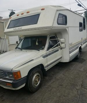 87 TOYOTA RV NORTH STAR (fiberglass) for Sale in Tustin, CA