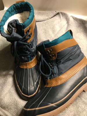 WOMENS RAIN/SNOW BOOTS SIZE 8 for Sale in Madera, CA