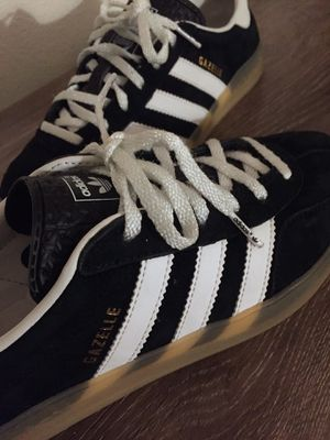 Adidas gazelle black and white for Sale in Los Angeles, CA