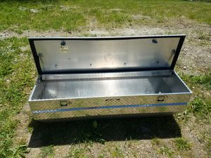 truck tool box like brand new for Sale in Old Town, ME