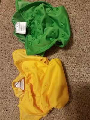 Bum genius, gogreen and Rumparooz barely used cloth diapers: 8 covers +inserts, 2 wet bags, 2packs flushable liners for Sale in Katy, TX