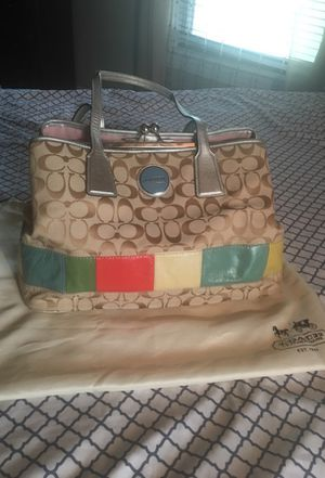 Authentic coach summer purse; includes dust bag for Sale in Brockton, MA