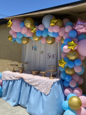 Gender reveal party decor, gender reveal , party decorations, babyshowerdecorations, balloons garland decor, balloons garland for Sale in Compton, CA