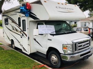 2010 - 21 (foot) Class C, Chateau Four Winds for Sale in Lakewood, CA