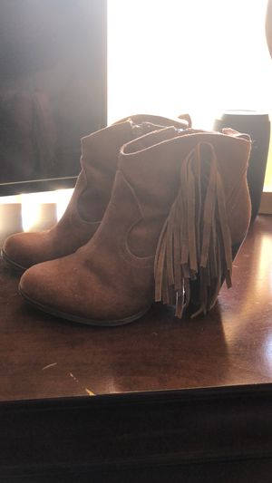 Leather Madden girl fringe booties for Sale in Albuquerque, NM