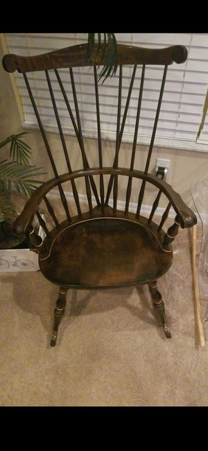 VINTAGE NICHOLS & STONE CO. ROCKING CHAIR for Sale in Delray Beach, FL