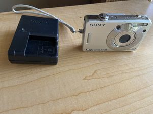 Digital cameras - PENDING for Sale in Houston, TX