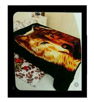 JML wolf fleece plush silky soft heavy warm mink blanket throw cover for Sale in San Mateo, CA