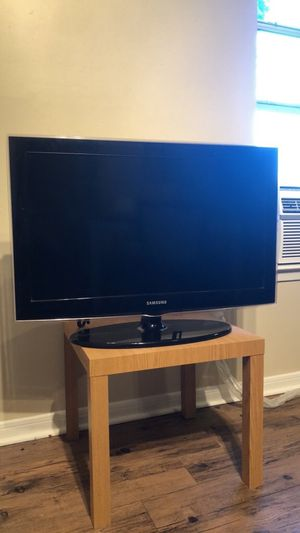"""Samsung 32"""" Television for Sale in Lexington, KY"""