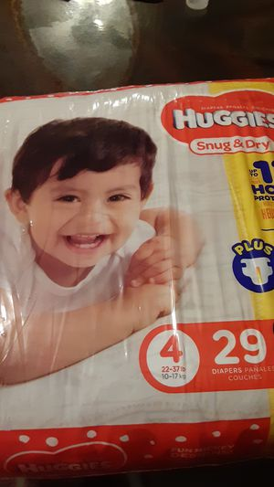 Diapers huggies size 4 for Sale in Staten Island, NY