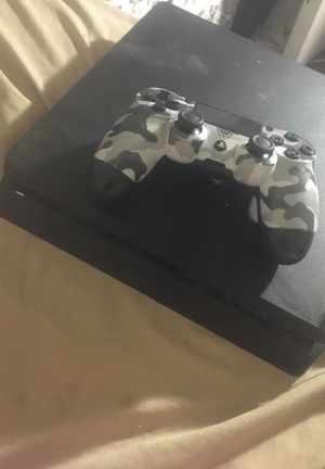 Ps4 with controller for Sale in Irvington, NJ