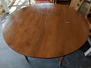 Table and Chairs for Sale in Sand Springs, OK