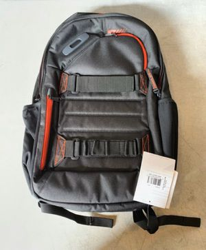 method 360 oakley backpack for Sale in Hialeah, FL