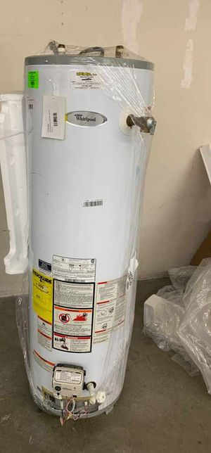 40 Gallon Whirlpool water heater with warranty B43 for Sale in Dallas, TX