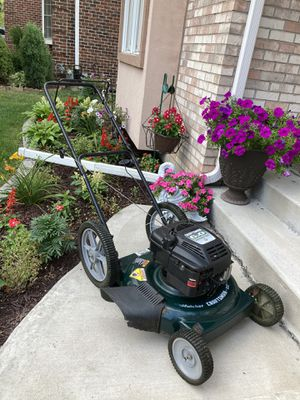Craftsman lawnmower (starts up right away) for Sale in Downers Grove, IL