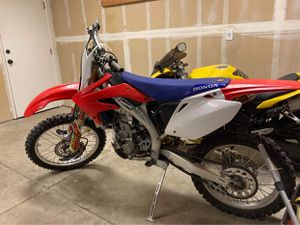 Honda 450cc dirt bike 06 for Sale in Clovis, CA