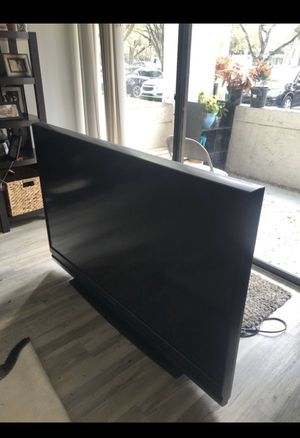 60 inch Mitsubishi TV for Sale in Fort Lauderdale, FL