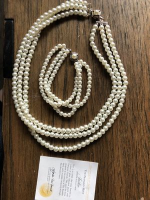 """Franklin Mint Certified """"Jackie"""" 3 Strand Pearl Necklace and Beacelet for Sale in Sumner, WA"""