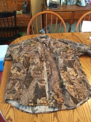 Columbia Short Sleeve Camo Shirt - XL -$5.00 for Sale in St. Louis, MO