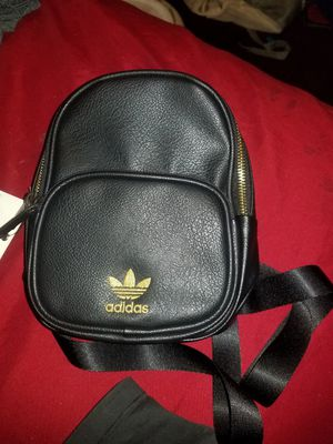 ADIDAS MINI LEATHER MINI BACKPACK for Sale in Gulfport, FL