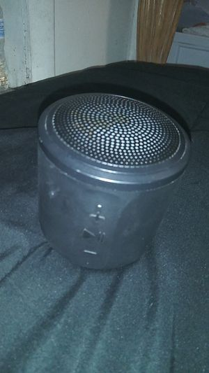 Bluetooth speaker for Sale in Tampa, FL