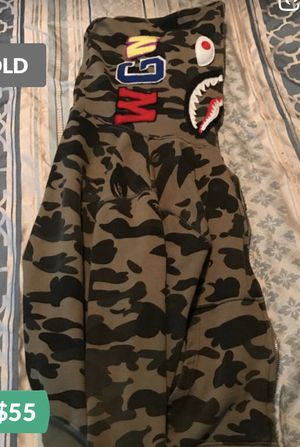 Bape shark green camo hoodie size men small for Sale in South Holland, IL