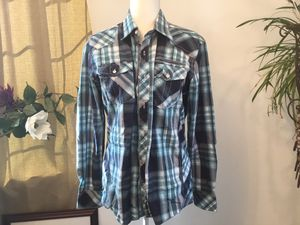 Men's medium shirt for Sale in Darrington, WA
