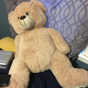 Giant teddy bear for Sale in Worcester, MA