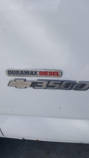 Chevy express 2006 diesel for Sale in Hialeah, FL